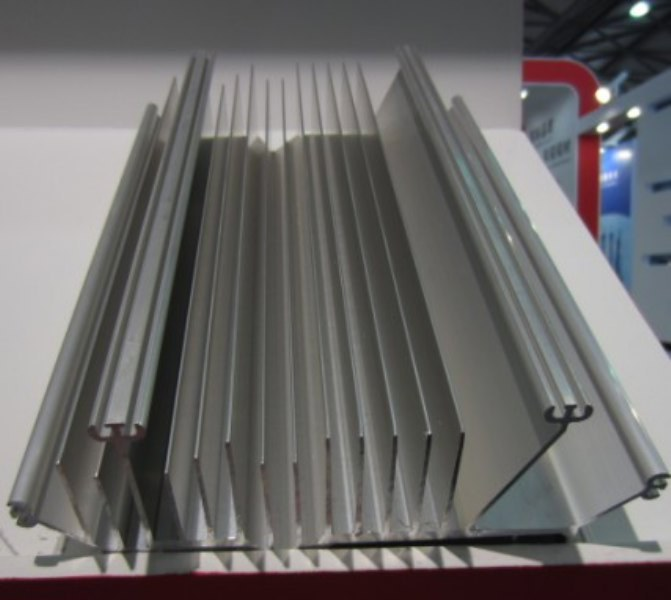机械零部件加工 镇巴,异型带筋W铝条,铝零件图纸,固定窗
