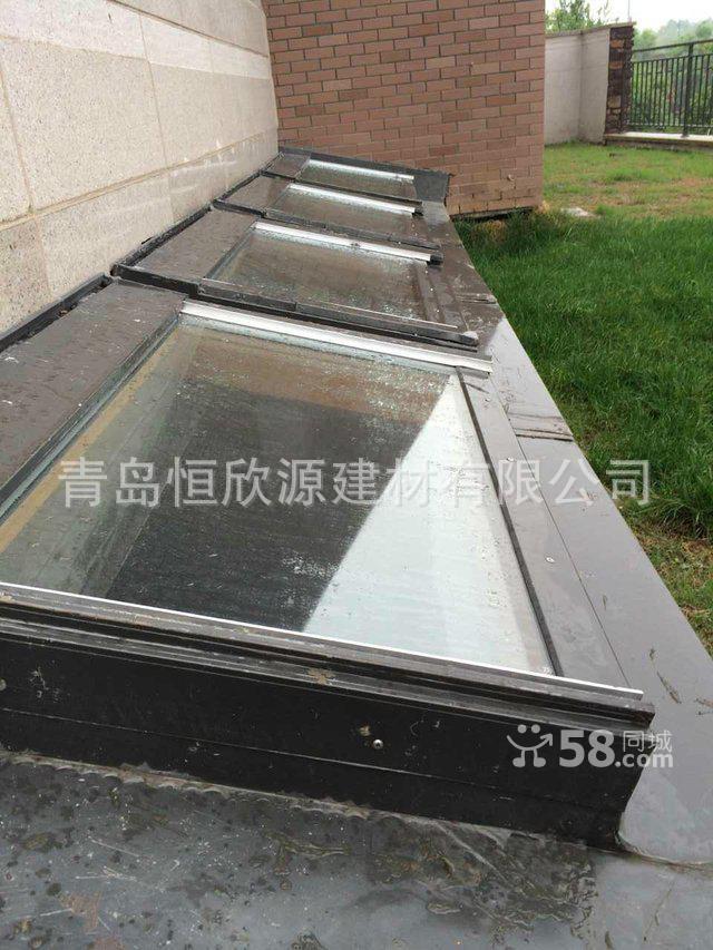 专业生产设计地下室采光窗 地下室采光窗斜屋顶窗阁楼天窗