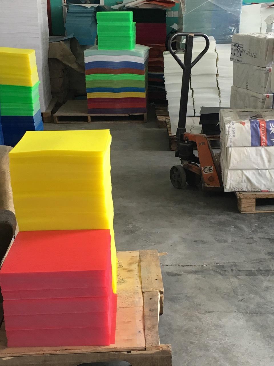 厂家直销批发PP片材斜纹黑色塑料卷材磨砂环保垫板胶片塑料板